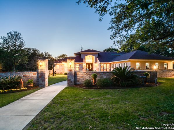 4 bed 3 bath Single Family at 403 Shannon Rdg Floresville, TX, 78114 is for sale at 460k - 1 of 25