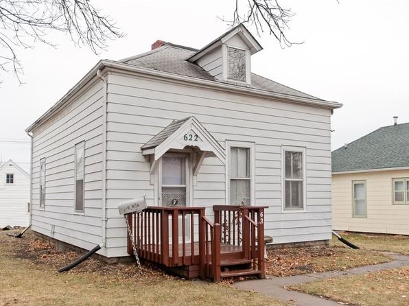 2 bed 1 bath Single Family at 622 15th Ave SW Cedar Rapids, IA, 52404 is for sale at 60k - 1 of 21