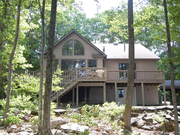 3 bed 3 bath Single Family at 140 Forest Ct Lords Valley, PA, 18428 is for sale at 589k - 1 of 54
