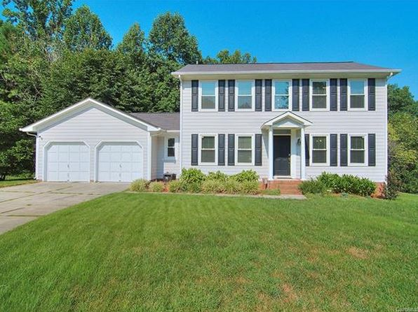 3 bed 3 bath Single Family at 3828 Hedingham Ct Charlotte, NC, 28269 is for sale at 205k - 1 of 24