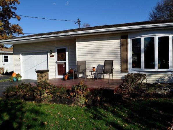 3 bed 1 bath Single Family at 10419 Pine St North Collins, NY, 14111 is for sale at 120k - 1 of 25