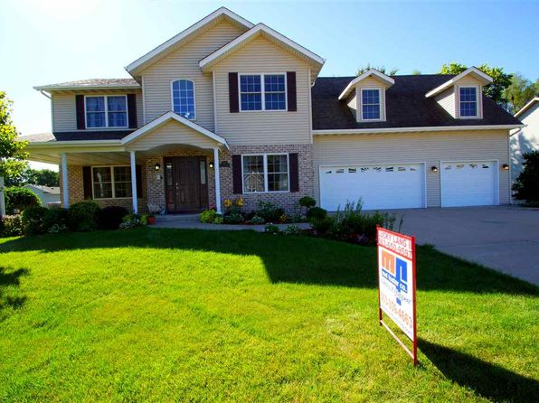 4 bed 4 bath Single Family at 692 Clover Hill Ln Le Claire, IA, 52753 is for sale at 345k - 1 of 24