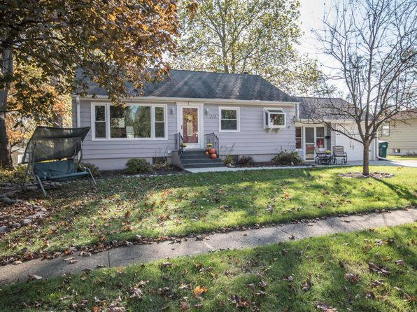 3 bed 2 bath Single Family at 215 E Marshall St Elkhorn, WI, 53121 is for sale at 160k - 1 of 24