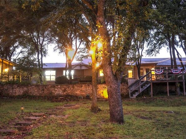 3 bed 2 bath Single Family at 303 WILLIAM BAUGH LN BROWNWOOD, TX, 76801 is for sale at 450k - 1 of 36