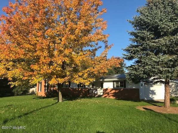 4 bed 3 bath Single Family at 303 Pioneer St Sturgis, MI, 49091 is for sale at 105k - 1 of 2