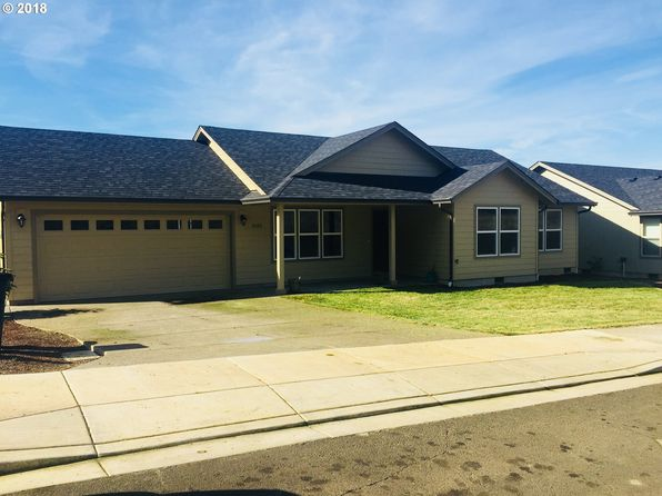 3 bed 2 bath Single Family at 1025 Forest Heights St Sutherlin, OR, 97479 is for sale at 226k - 1 of 17