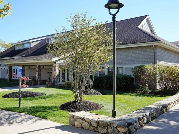 2 bed 2 bath Condo at 3 Harvest Dr North Andover, MA, 01845 is for sale at 169k - 1 of 13
