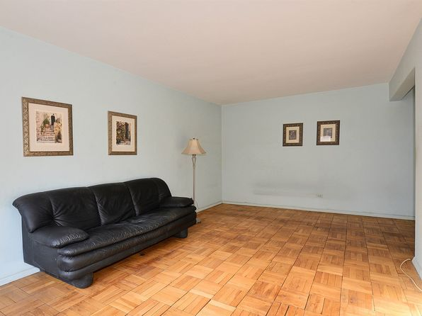 1 bed 1 bath Cooperative at 14460 Gravett Rd Flushing, NY, 11367 is for sale at 139k - 1 of 13