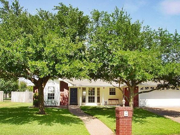 3 bed 2 bath Single Family at 102 Chelsea Dr Hewitt, TX, 76643 is for sale at 164k - 1 of 23