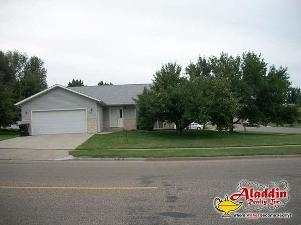 3 bed 2 bath Single Family at 222 E Calgary Ave Bismarck, ND, 58503 is for sale at 250k - 1 of 26