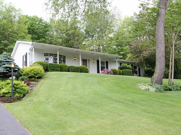 3 bed 3 bath Single Family at 11820 Yorkshire Richland, MI, 49083 is for sale at 230k - 1 of 34