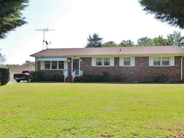 3 bed 2 bath Single Family at 660 Jolley Rd Inman, SC, 29349 is for sale at 135k - 1 of 16