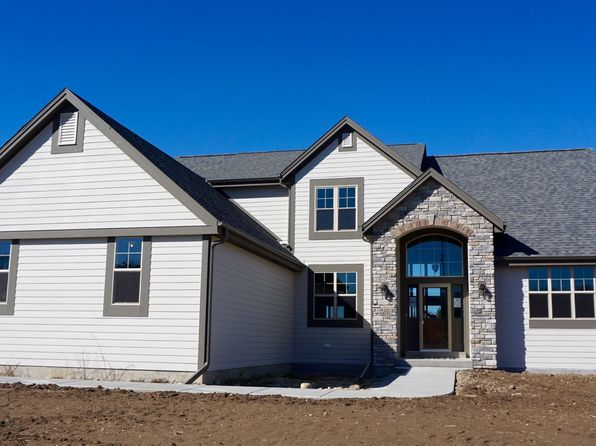 4 bed 3 bath Single Family at W222S4233 Timm Dr Waukesha, WI, 53189 is for sale at 485k - 1 of 98