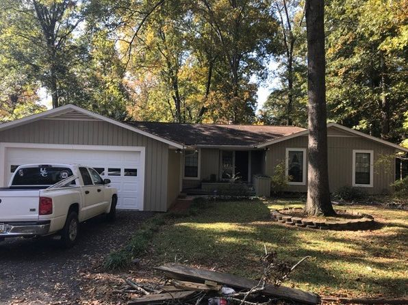 3 bed 2 bath Single Family at 107 Chestnut Rdg Greenwood, SC, 29649 is for sale at 130k - google static map