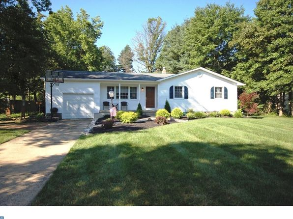 3 bed 2 bath Single Family at 42 Oxford Dr East Windsor, NJ, 08520 is for sale at 315k - 1 of 23