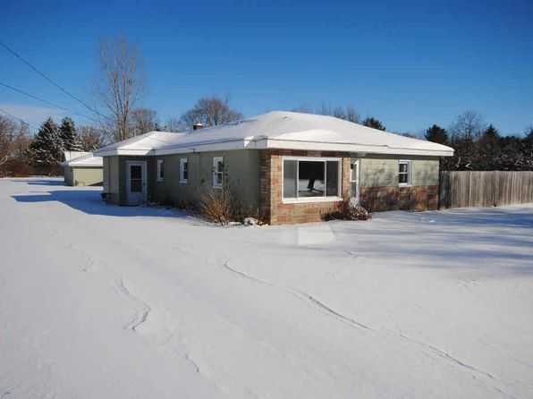 2 bed 1 bath Single Family at 4939 S Saginaw Rd Freeland, MI, 48623 is for sale at 80k - 1 of 12