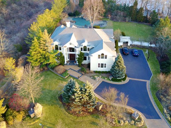 6 bed 4 bath Single Family at 24 Woodbury Farms Dr Woodbury, NY, 11797 is for sale at 2.00m - google static map