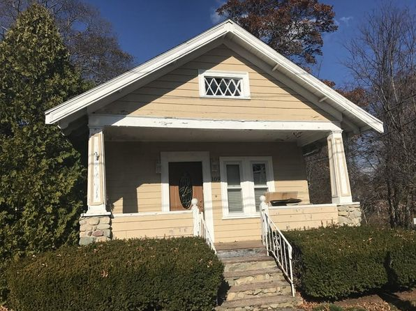 2 bed 1 bath Single Family at 109 BURKESIDE AVE BROCKTON, MA, 02301 is for sale at 235k - 1 of 8