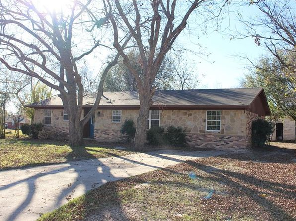 4 bed 2 bath Single Family at 606 S San Antonio St Wolfe City, TX, 75496 is for sale at 85k - 1 of 28