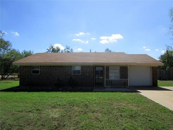 3 bed 2 bath Single Family at 806 E Davenport St Stamford, TX, 79553 is for sale at 65k - 1 of 8