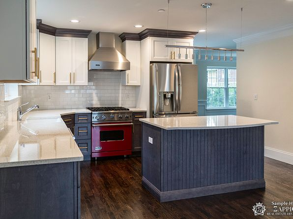 4 bed 2.5 bath Single Family at 8 Point Pl Chappaqua, NY, 10514 is for sale at 1.02m - 1 of 8