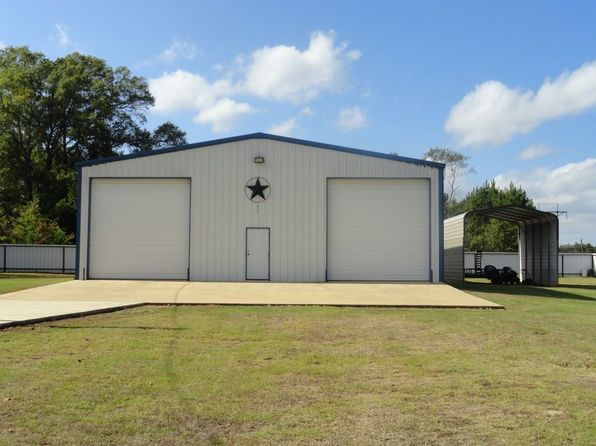 1 bed 2 bath Single Family at 347 Younger St Longview, TX, 75603 is for sale at 225k - 1 of 16