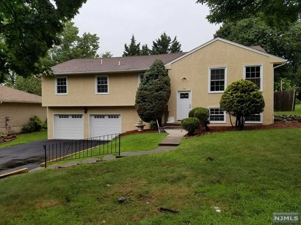 bi level house paramus real estate paramus nj homes for sale zillow. Black Bedroom Furniture Sets. Home Design Ideas