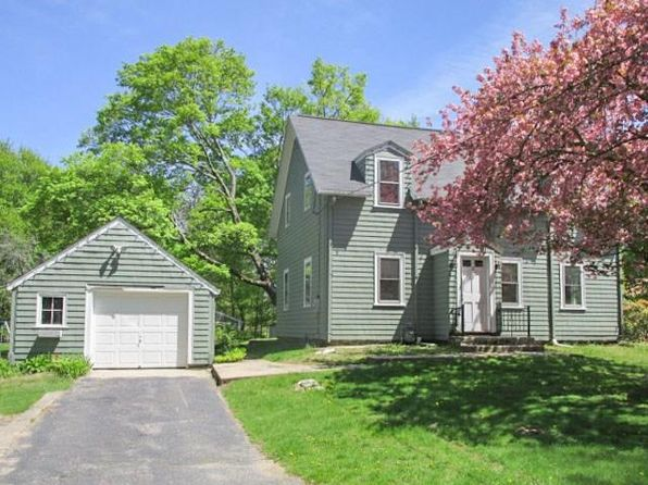 Massachusetts Foreclosures & Foreclosed Homes For Sale - 8,358 ...
