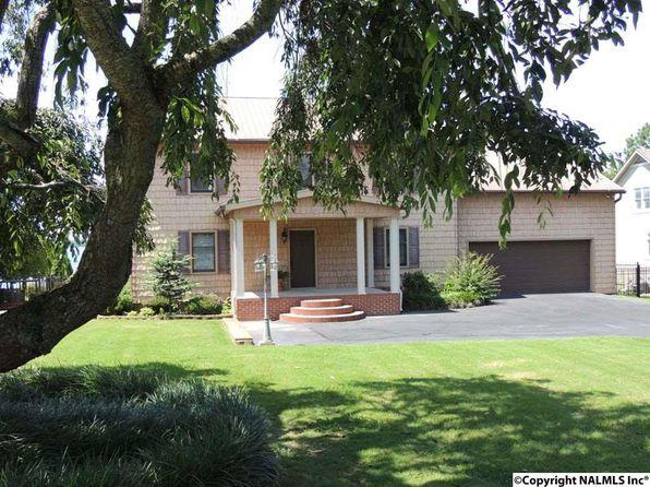 Landscaped Homes professionally landscaped - athens real estate - athens al homes