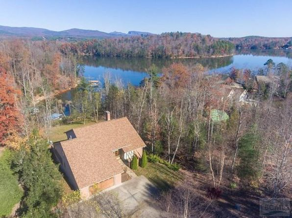 North Carolina Waterfront Homes For Sale 9829 Homes Zillow