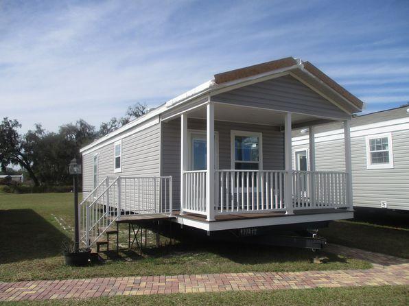 38206 Woodgate Ln, Zephyrhills, FL 33542