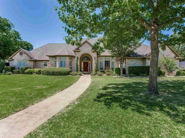 2 acres waco real estate waco tx homes for sale zillow. Black Bedroom Furniture Sets. Home Design Ideas