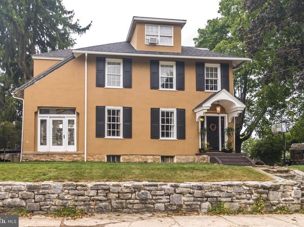 Strange Real Estate Homes For Sale 136 167 Homes For Sale Zillow Interior Design Ideas Tzicisoteloinfo