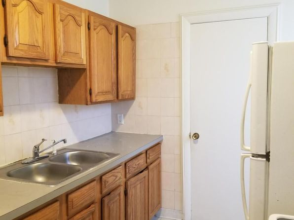 Pleasant Apartments For Rent In Pawtucket Ri Zillow Beutiful Home Inspiration Aditmahrainfo