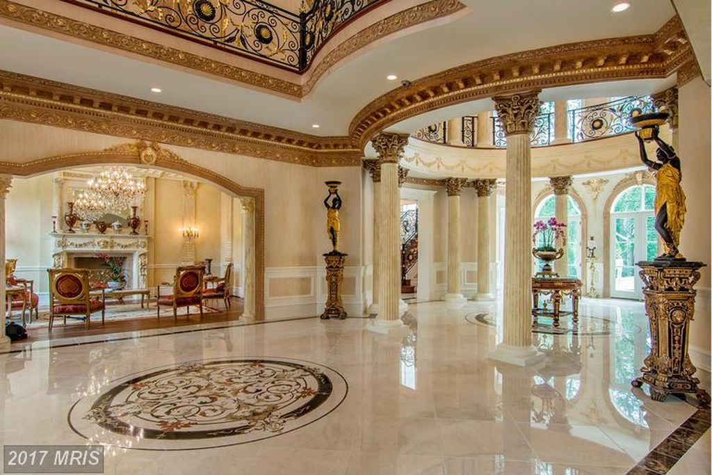 The Grand Foyer At Le Chateau De Lumi 232 Re In Great Falls