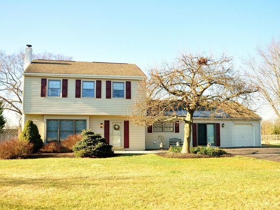 2076 hawthorne ln hatfield pa 19440 zillow for Houses with mother in law suites for sale near me