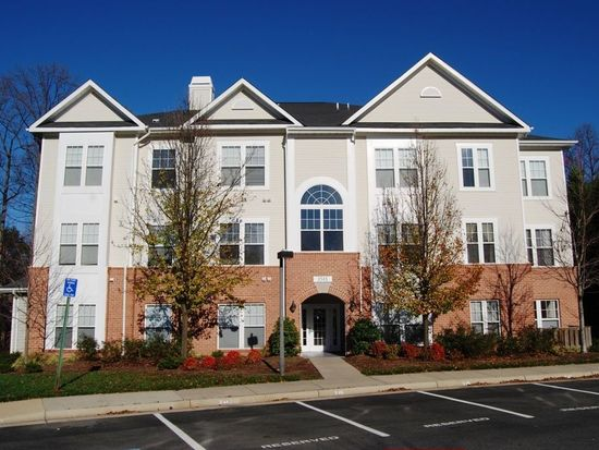 1511 N Point Dr APT 104, Reston, VA 20194 | Zillow