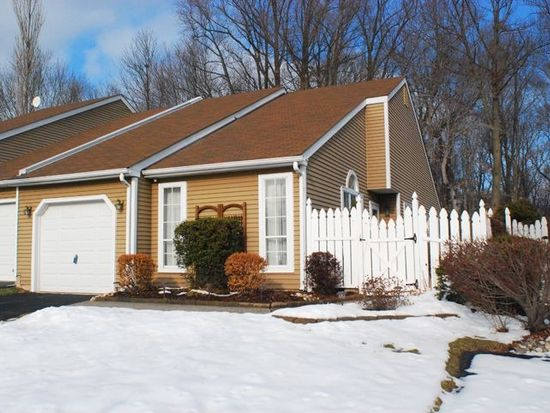 294 Woods Edge Dr Langhorne Pa 19047 Zillow