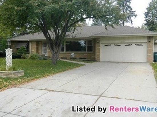 2437 Holton St, Roseville, MN 55113 | Zillow