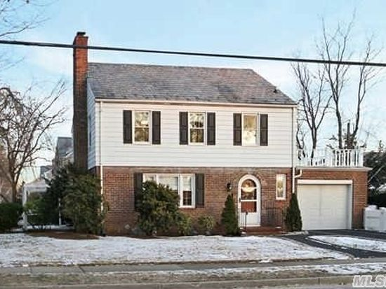 9 Middleton Rd Garden City Ny 11530 Zillow
