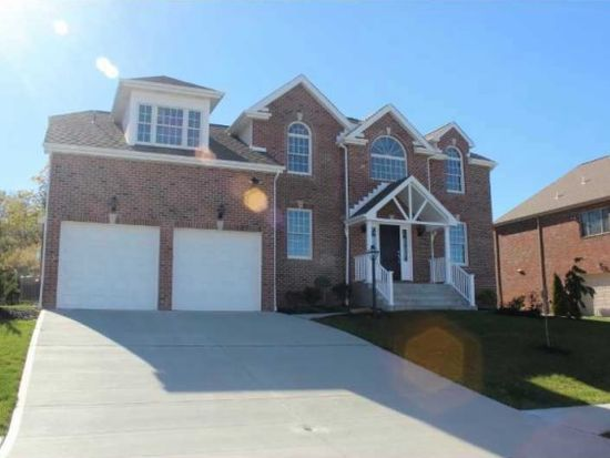1040 Breezewood Dr, Canonsburg, PA 15317   Zillow