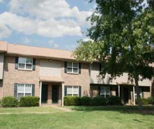 Brittany point apartments huntsville al zillow for 3 bedroom apartments huntsville al