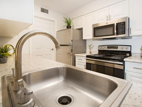 Granite At Porpoise Bay Apartment Rentals Daytona Beach