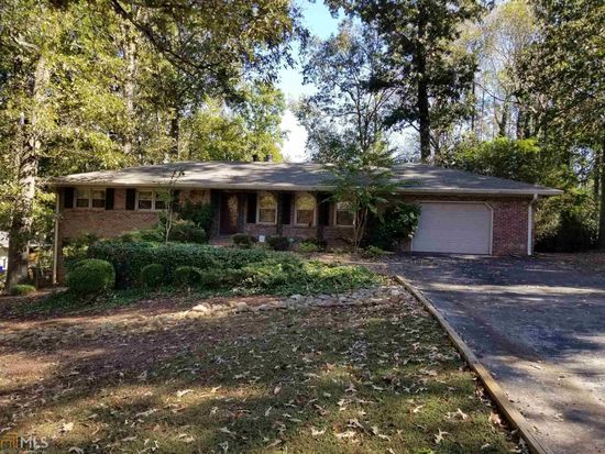 1326 Hickory Dr Sw Lilburn Ga 30047 Zillow