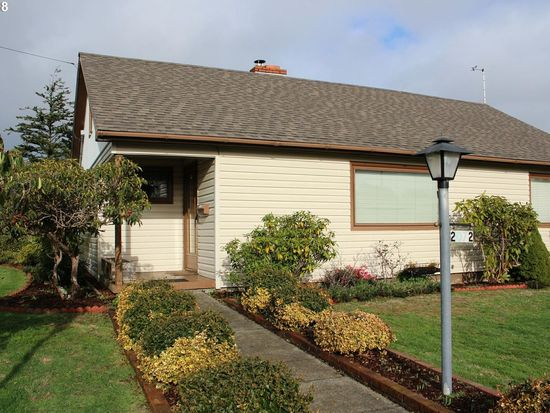2072 wall st north bend or 97459 zillow