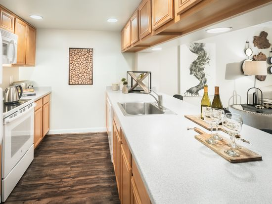 Richmond Square Apartments   Arlington, VA | Zillow