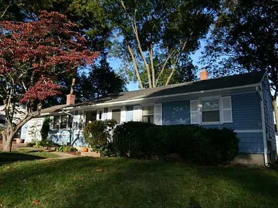 18 Sheffield Ave Coventry Ri 02816 Zillow
