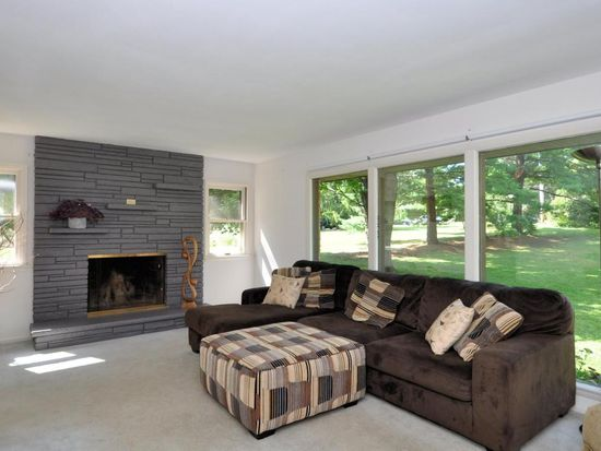 4350 Meadow Vw E, Brookfield, WI 53005 | Zillow