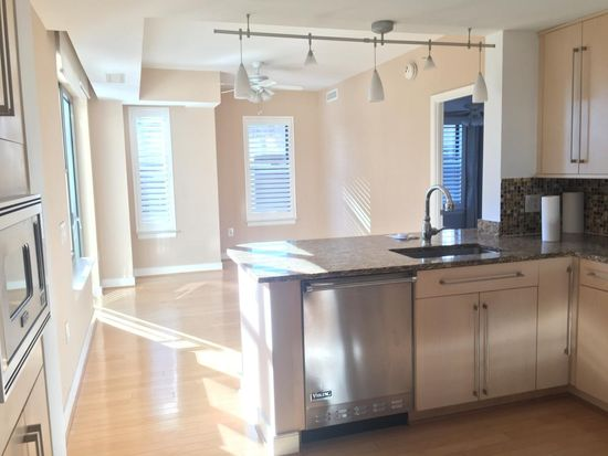 7710 woodmont ave apt 401 bethesda md 20814 zillow rh zillow com