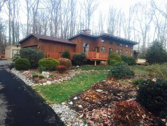 96 Candlewyck Dr Quarryville PA 17566